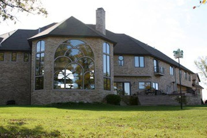Amber Oaks Country Estate - Milford - Haus