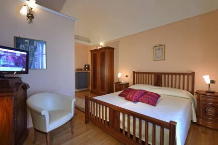 Villa Durando - Stanza Arma del Regno - Mondovì - Bed & Breakfast