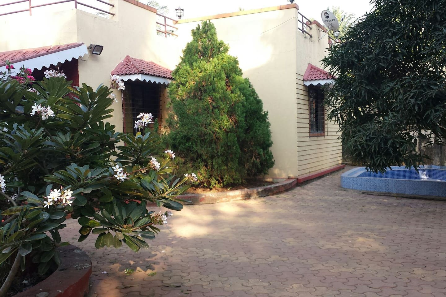 Hotel Aubi Bungalow Aubi Houses For Rent In Mumbai Maharashtra India