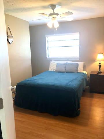 Queen Bedroom - this is bedroom 1 with the alternate bedspread.   Bedroom 1 of 2.