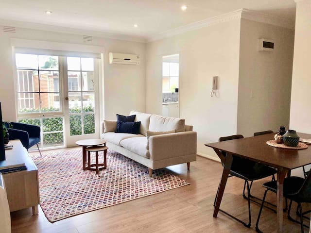 Newly furnished. Super beds. MALVERN EAST top revi