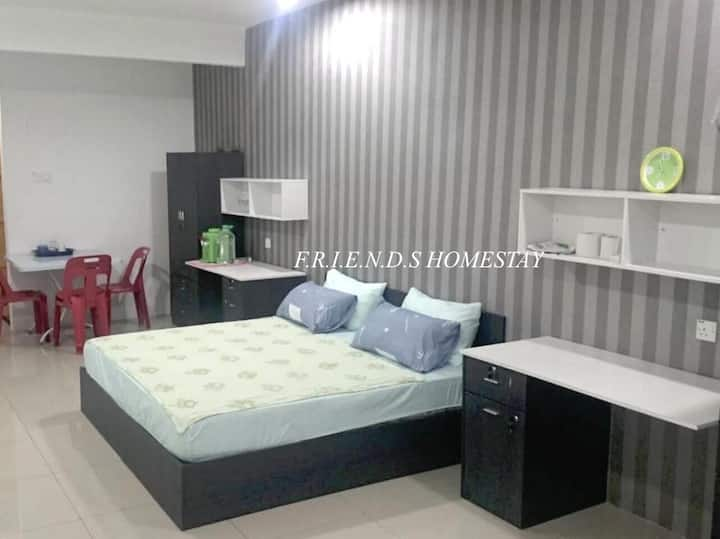 FRIENDS Homestay New Air Cond for Max. 6 Pax Stay