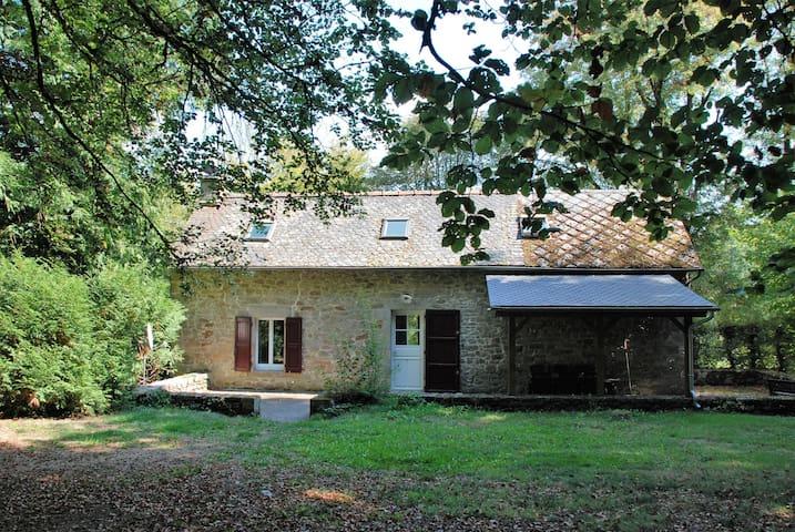 Ruime gite op het domein van Château Le Bois