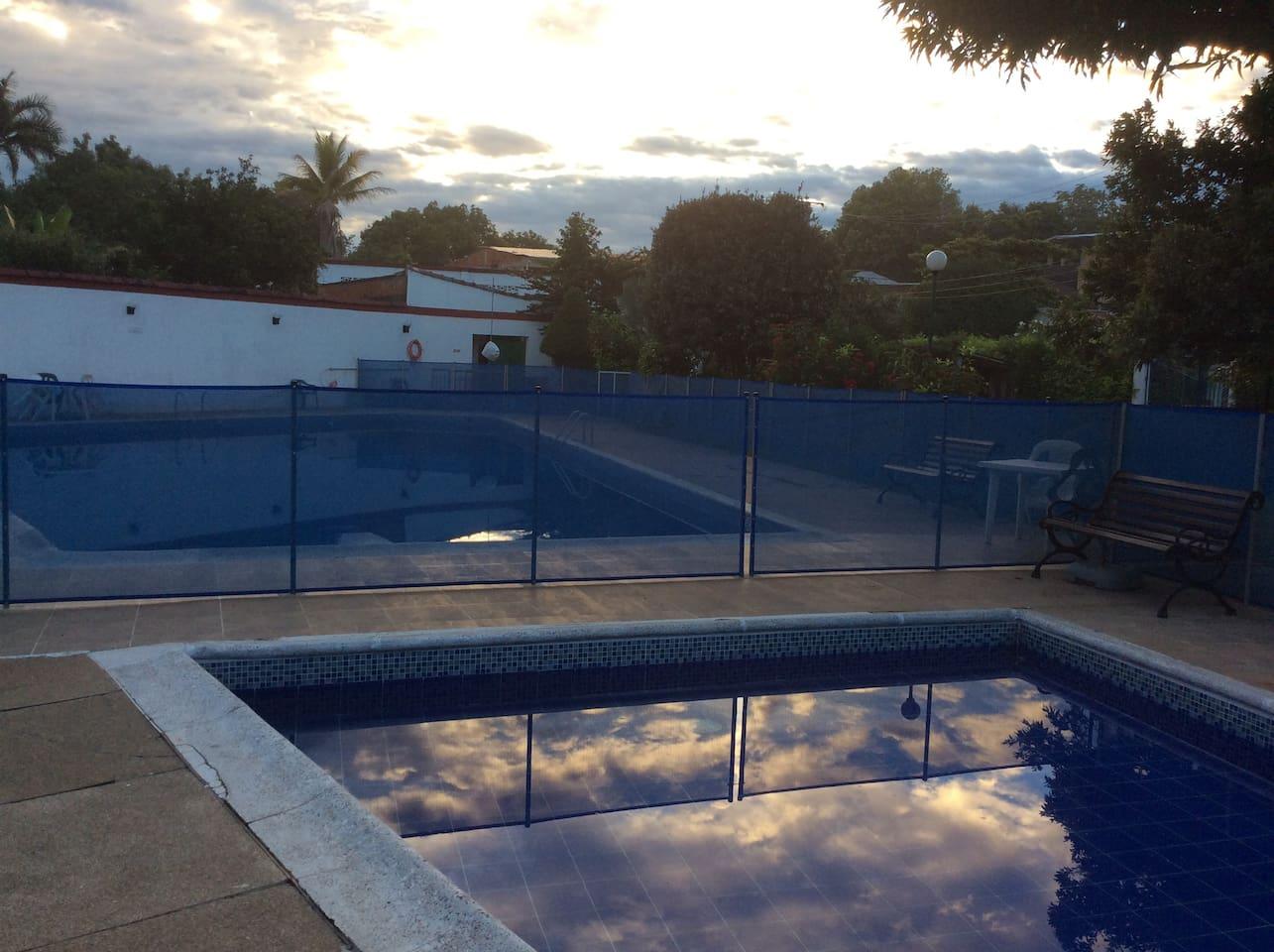 Hotel Villa Chela Carmen de Apicala . ubicación privilegiada para un grato descanso familiar.