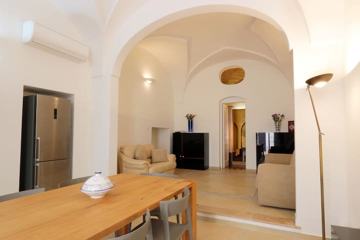 Eleganti suites in Palazzo del 700 - Presicce - บ้าน