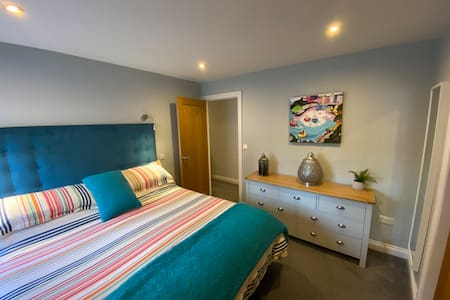 Luxury Tenby Apartment with Parking