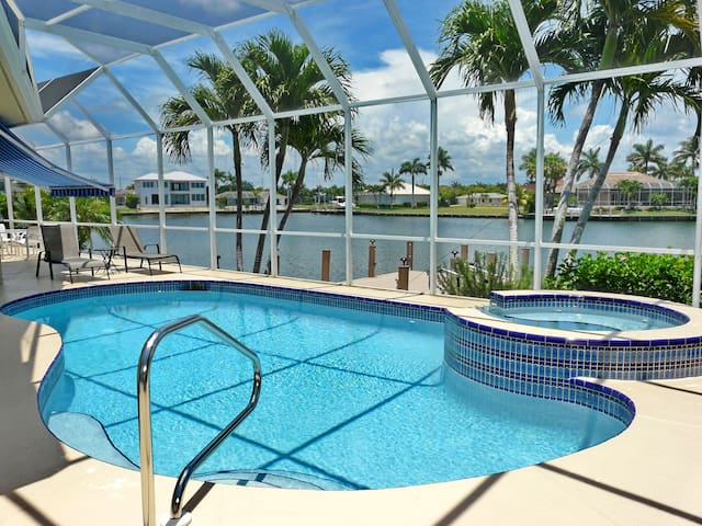 Beautiful home with Wide Water view - Marco Island - Hus