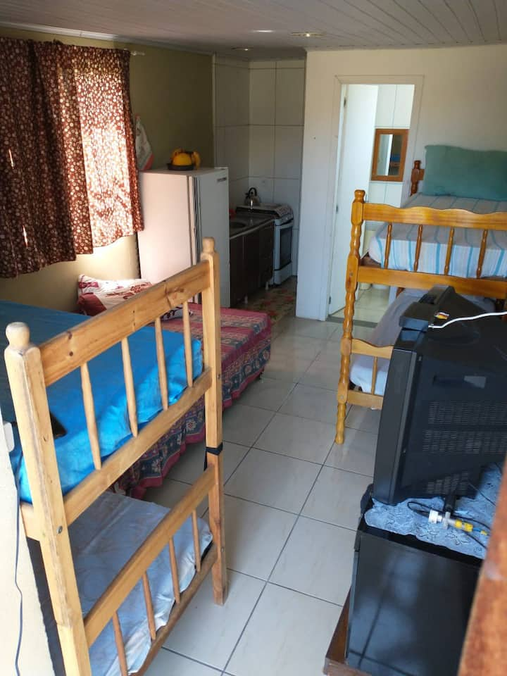 Kitnet 1 condomínio guará Beach