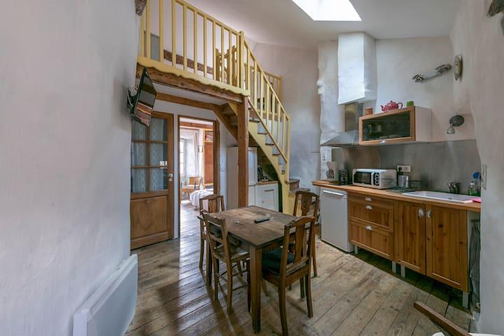 Maison 1 chambre - 2 lits simples et 1 lit double