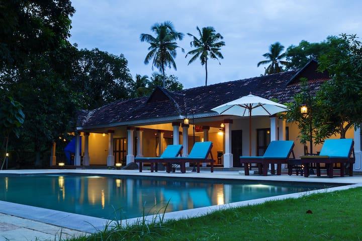 Flamingo-Lovely boutique villa garden facing room - Alappuzha - Villa