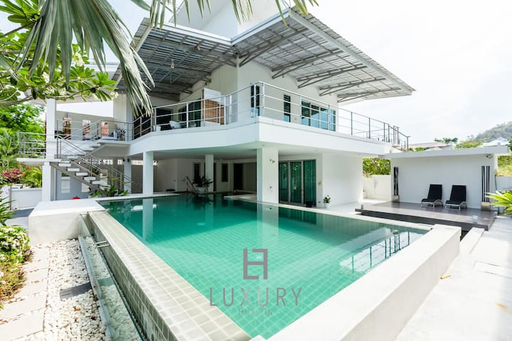4 Bedroom Modern Pool Villa In Great Location!