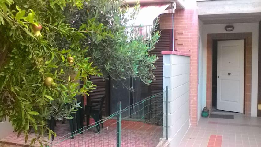 HOLIDAY HOUSE  TITO with garden - Recanati - Apartment