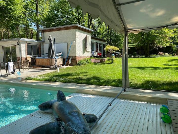 Maison de Campagne tout confort, piscine chauffée,