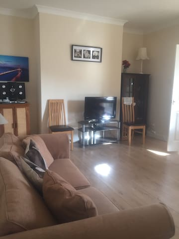 3 bed terrace house sleeps 10 near to Durham City - Shotton Colliery - Ház