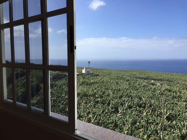 Apartamento con balcón, wifi, vistas, buen clima - Tazacorte - Leilighet