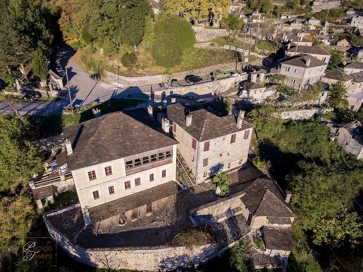 Papigo Towers Mountain Lodge