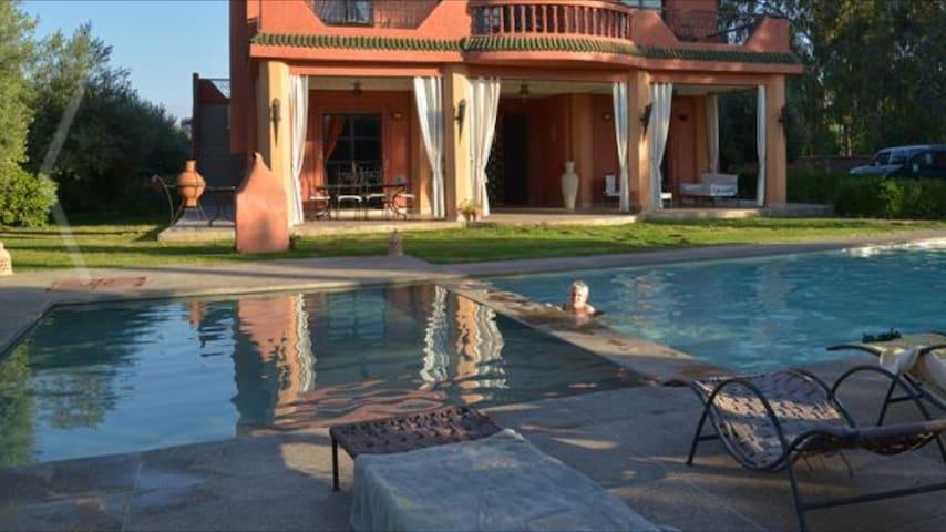Villa avec piscine vue sur l 'atlas - Marràqueix - Casa de camp