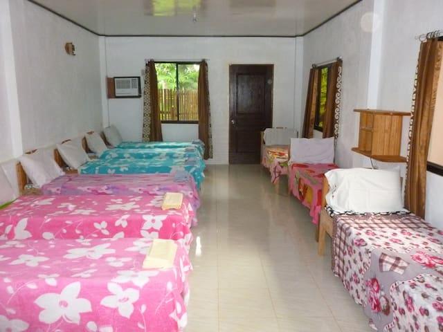 D & A  seasidecottages - PH - Hostel