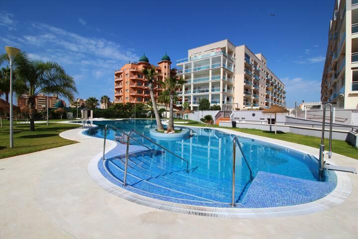 Parque Salinas - Residencial en 1ª línea de playa.