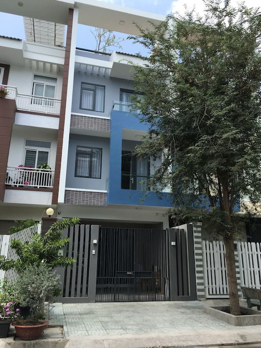 Luxury townhouse, includes private parking