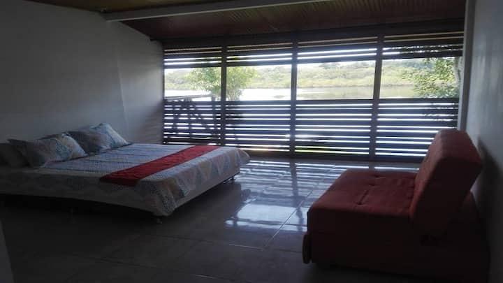 Habitación en Reserva Natural Amazonas, Perú.