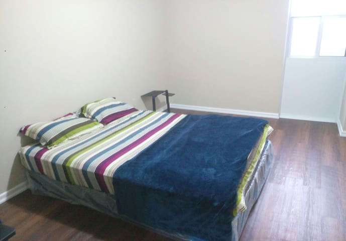 1 room and sharing kitchen with all amenities