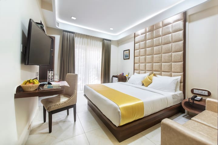 AIYARA COMFORTS Room near IT Hub at great price