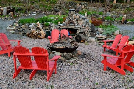 Glenn Burney Lodge Cabin #2 - Parry Sound - Blockhütte