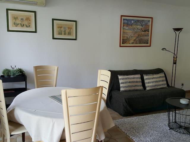Appartement confortable et calme à Nîmes
