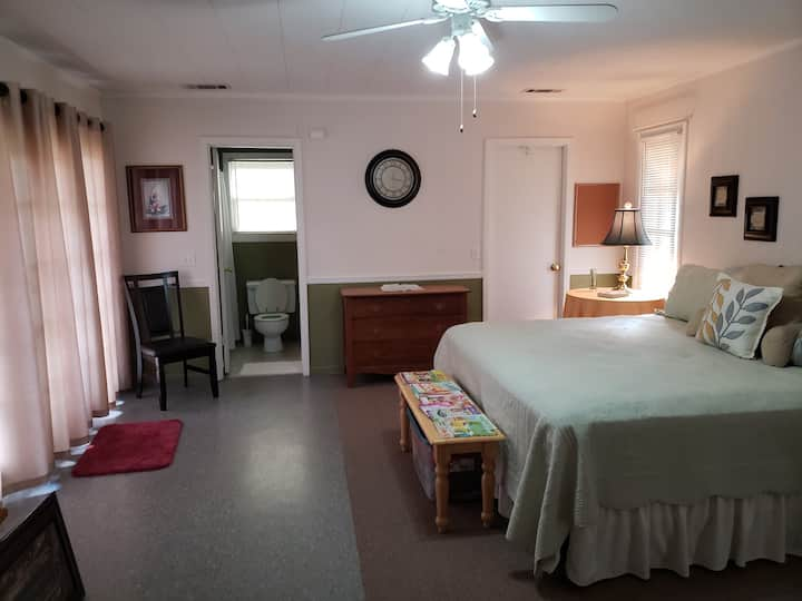 Downtown Vidalia Private 1 Bedroom/Bath