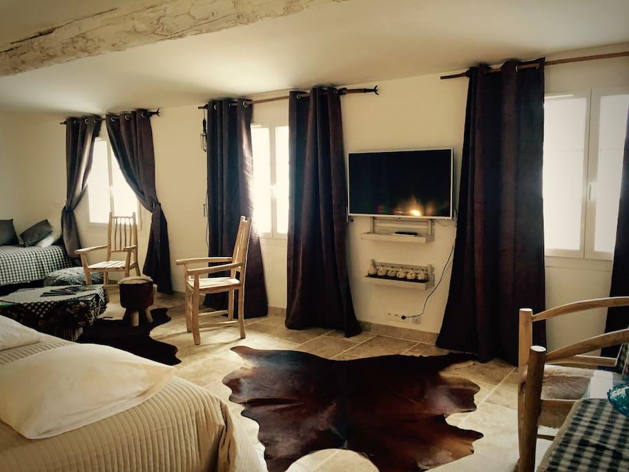 chambres d 39 h tes mas du grand bordes en camargue chambres d 39 h tes louer saint laurent d. Black Bedroom Furniture Sets. Home Design Ideas