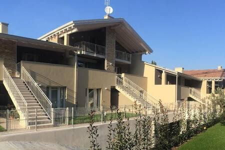 Top 20 holiday lettings peschiera del garda holiday - Studio casa peschiera del garda ...
