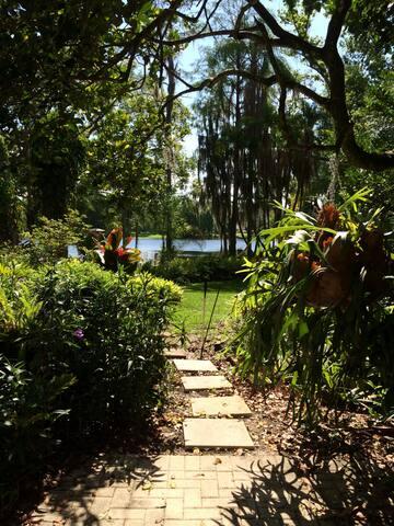 Tropical Paradise on Lake Hanna - Lutz - Huis