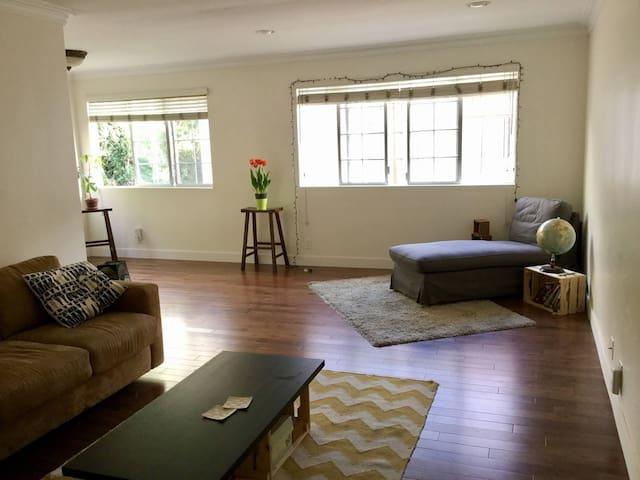 Great sunny room in beautiful spacious flat!!!