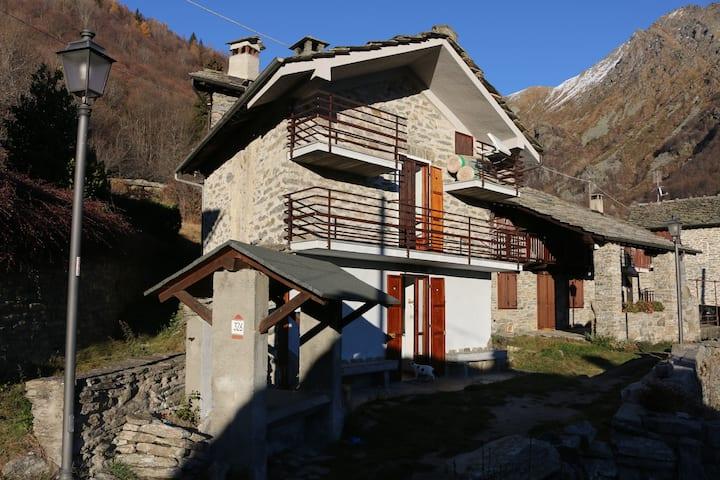 Casa in favoloso borgo alpino nelle Valli di Lanzo