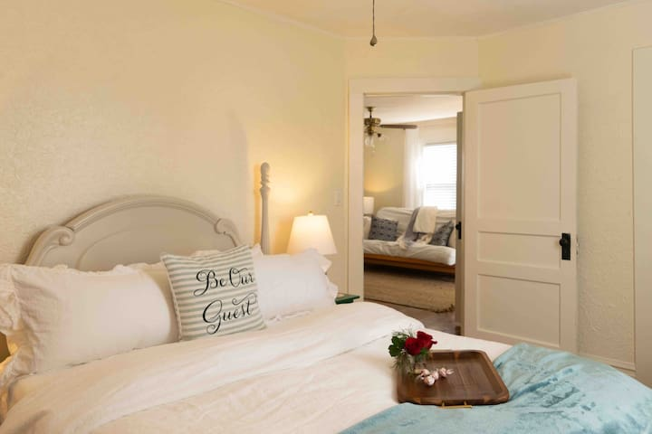 The Green Chickadee: romantic cottage near AT/I-81