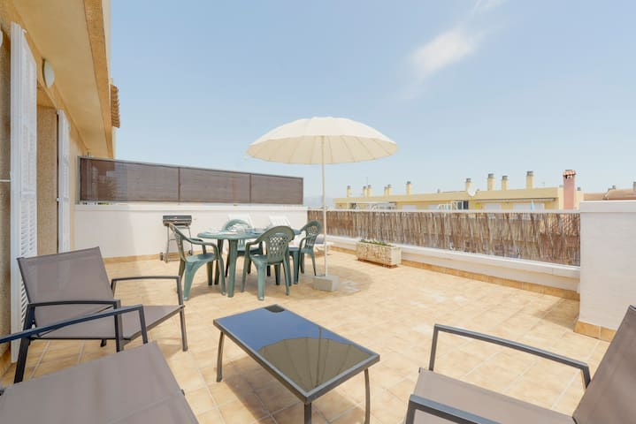 PENTHOUSE B, BRIGHT, LARGE TERRACE