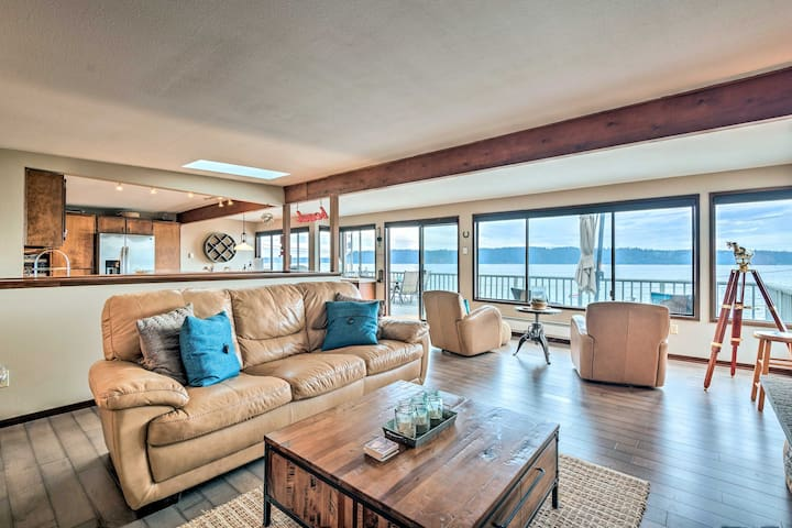 Beachfront Home w/Deck + Stunning Bay Views!