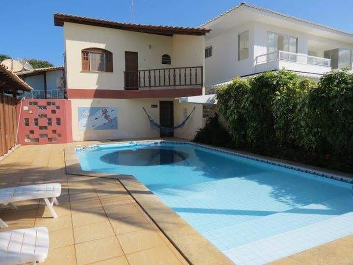 Casa com piscina em Guarajuba