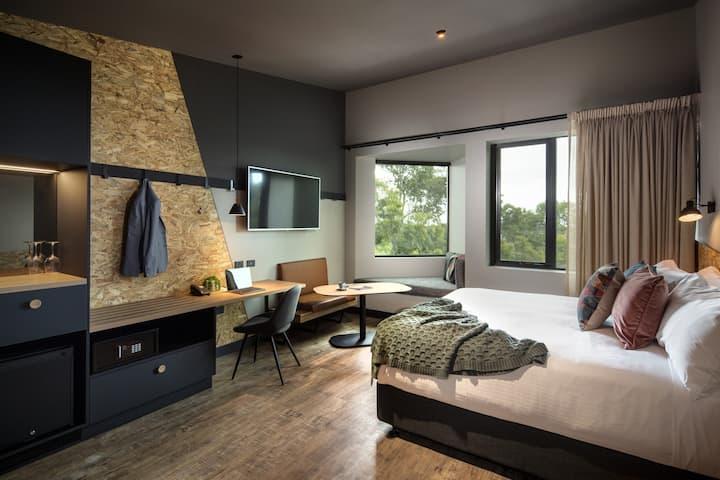 Marion Hotel Nook Room