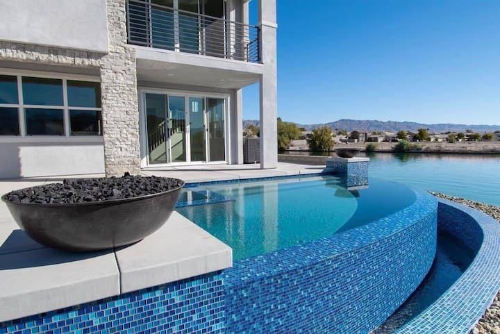 Lakefront Luxury-Tiffany Villa w/ Private Pool&Spa