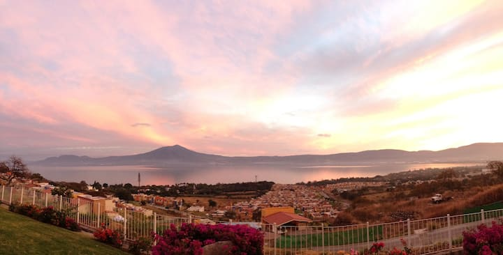 House with excellent view on the Chapala's riviera