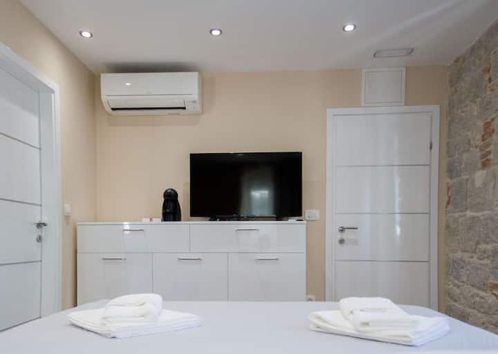 """Elegant Residence"", Superior Room second floor"