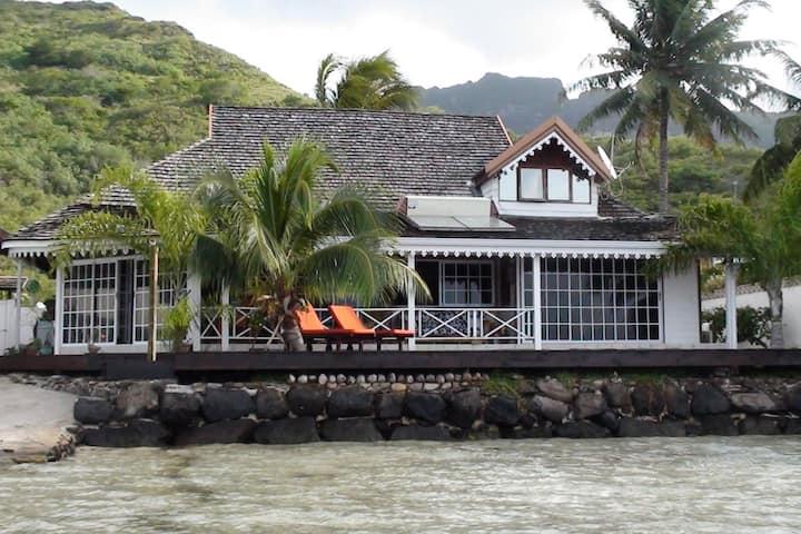 La Maison de Manoa   bord de mer.