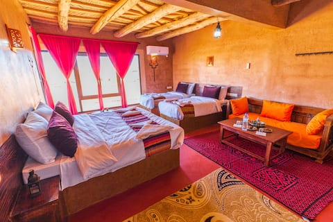 Nice room on front the kasbah