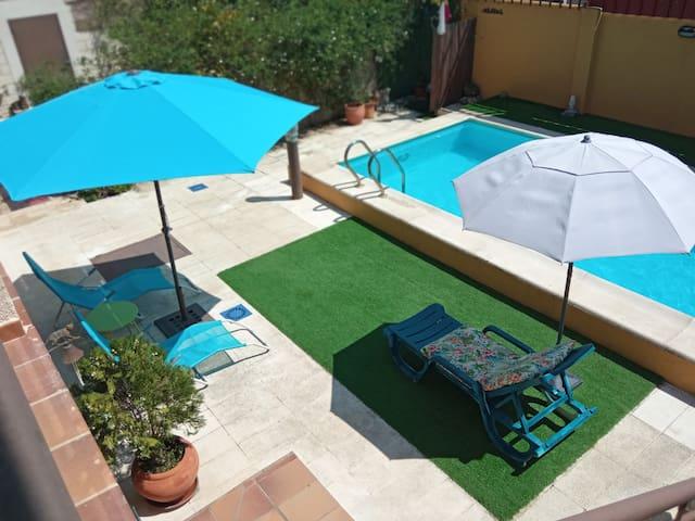 El Patio de Luna Violeta (Con piscina privada)