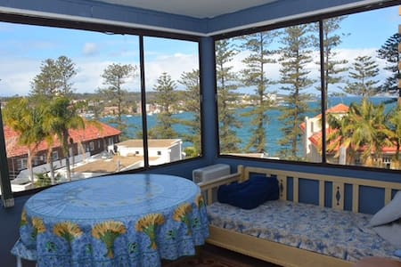 sunny apartment views Manly harbour