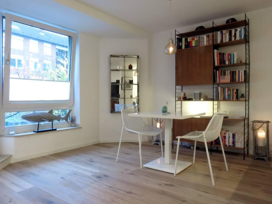 apartment in dusseldorf s prestiged oberkassel d sseldorf nordrhein westfalen. Black Bedroom Furniture Sets. Home Design Ideas