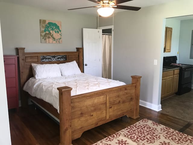 Queen size bed with plenty of space!