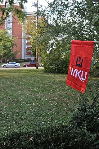 Historic WKU Home Located in Central Bowling Green - โบว์ลิง กรีน